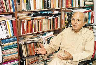 Intizar Hussain 1