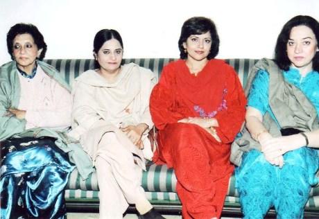 4 Lahore at Sardar Soz