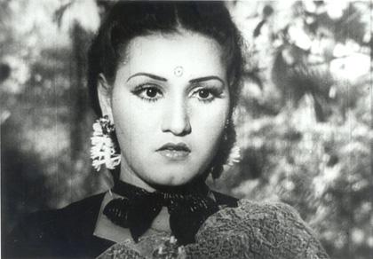 noor-jehan-in-anmol-ghadi-1946.jpg