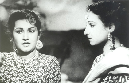 surraiya-chaudhry-right-and-noor-jehan-in-mirza-sahiban-1947.jpg