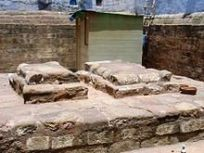 Grave of Razia Sultana in Bulbul-i-Khan near Turkoman Gate, Delhi