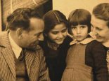 Faiz Ahmed Faiz with Family