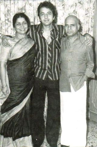 Poet Khayyam with his son pardeep and wife jagjit kaur